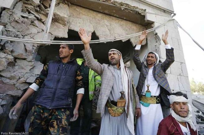 20141203-sanaa-yemen-jihadist-655x436