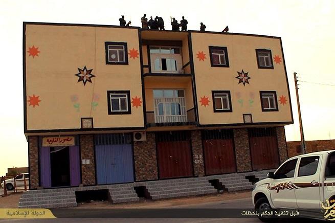 20141210-gruppo-tetto-palazzo-655x436