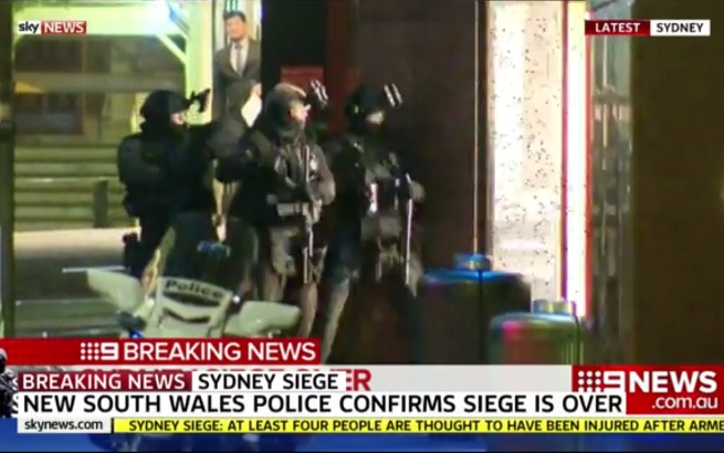 20141215-sydney-siege-5-assault-655x410