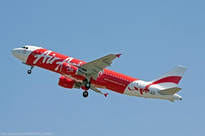 20141228-a320-air-asia-japan-655x436