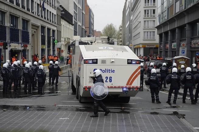 20150116-belgio_polizia-655x436