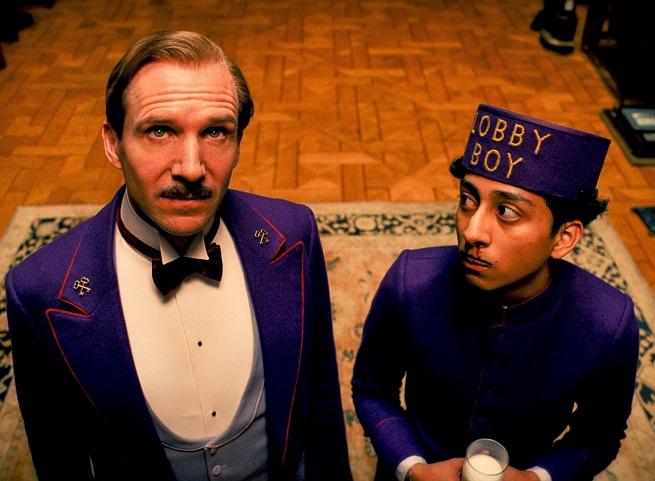 """Ralph Fiennes e Tony Revolori in """"Grand Budapest Hotel"""""""