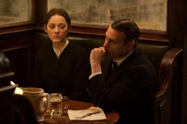 """Marion Cotillard e Joaquin Phoenix in """"C'era una volta a New York"""""""