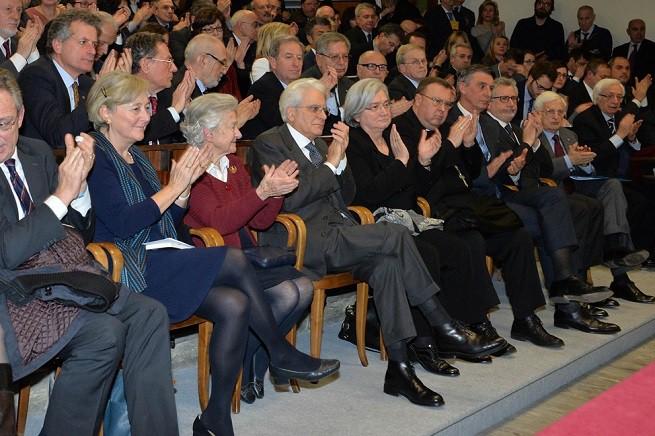 Il presidente della Repubblica, Sergio Mattarella, con a destra la vedova dell'allora vicepresidente del CSM, Vittorio Bachelet, signora Miesi de Januario Bachelet, e a sinistra Rosy Bindi, presidente della Commissione Antimafia (Foto Quirinale)