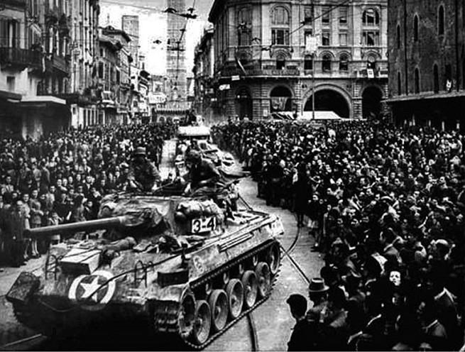 """""""All'ippodromo ci sono le corse domani"""": con questo segnale il 21 aprile 1945 la BBC diede inizio all'attacco congiunto di truppe alleate e dell'azione partigiana per liberare Bologna"""