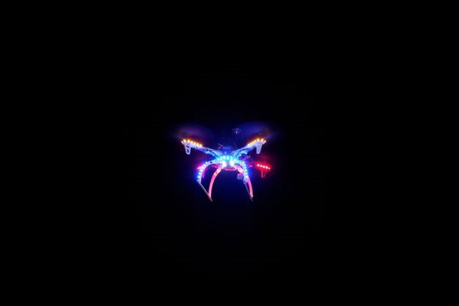20150226-droni-di-notte-655x436