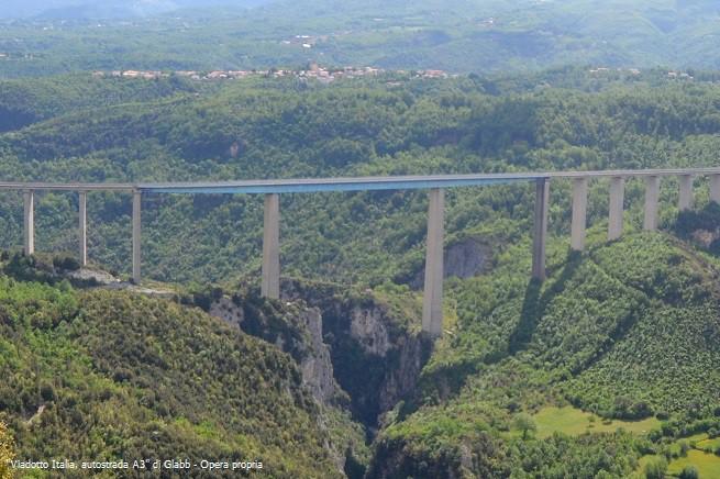 20150303-Viadotto_Italia,_autostrada_A3-655X436