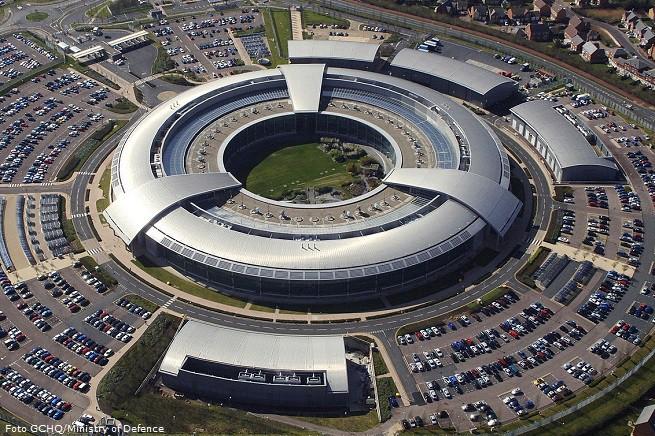 Una vista aerea del 'Government Communications Headquarters' (Quartier generale del governo per le comunicazioni), a Cheltenham (sede principale), la branca della Comunità Intelligence britannica che si occupa di SIGINT (Signal Intelligence)