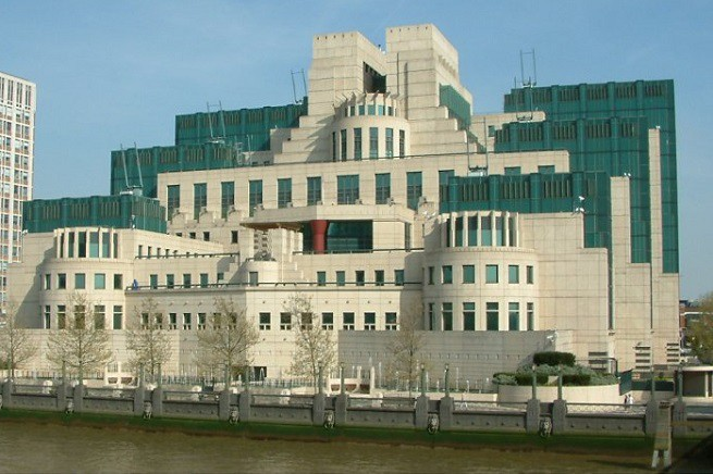 La sede dell'MI6, Secret Intelligence Service (SIS), a Vauxhall Cross (foto Wikipedia)