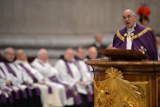 ++ Pope declares extraordinary Holy Year begins in Dec. ++