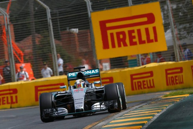 Lewis Hamilton ha conquistato la pole position del primo gran premio del 2015 in Australia (Foto Marcedes AMG PEtronas F1)