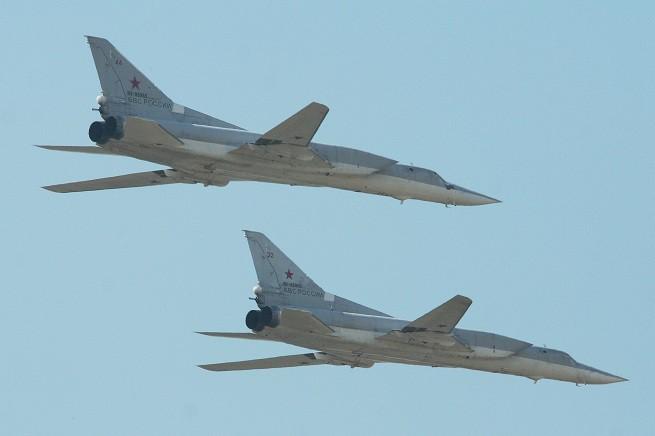 """Due Tupolev 22M """"Backfire"""" come quelli intercettati oggi sul Mar Baltico da aerei svedesi e della NATO (foto di archivio)"""
