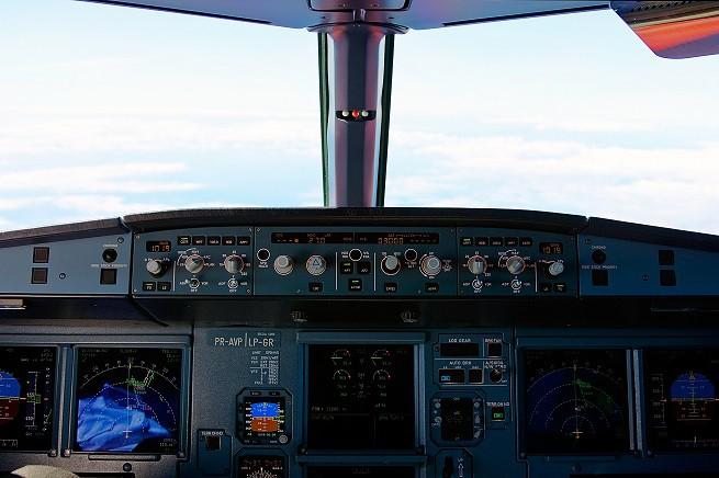 20150326-Cockpit_View_A320-655x436