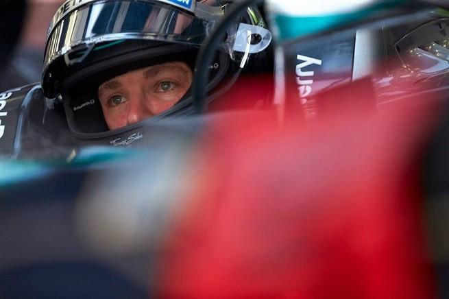 Nico Rosberg pensieroso (foto dal profilo Facebook del pilota della Mercedes AMG F1)