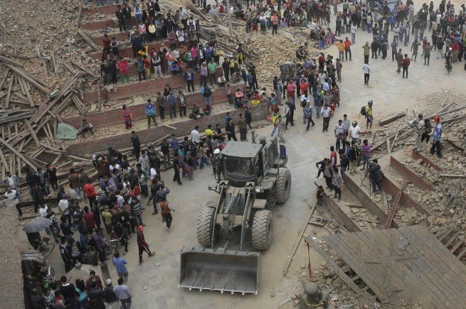 20150427-nepal-earthquake-1-655x435