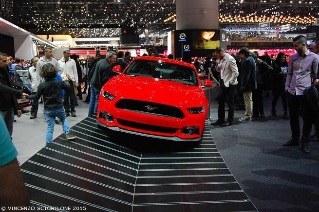 Per le supercar come la Ford Mustang (qui all'85° Salone Internazionale dell'Automobile di Ginevra 2015) il mercato italiano è asfittico a causa di una politica fiscale stupida, miope e controproducente