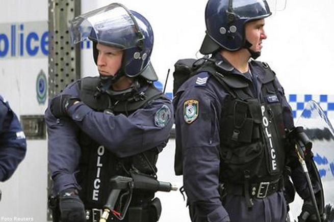 Polizia di Sydney in assetto antisommossa (foto di repertorio)