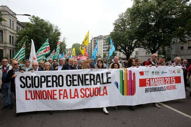 Corteo nella giornata di sciopero generale del 5 Maggio 2015 (credit foto Cisl Brescia)