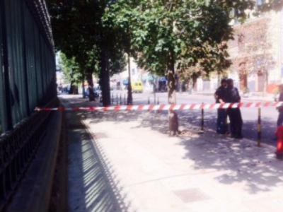 Il tratto prospiciente la prefettura di Palermo chiuso al traffico (foto Adnkronos)