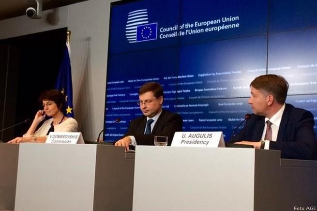 20150619-Eurogruppo-Valdis-Dombrovskis-655x436