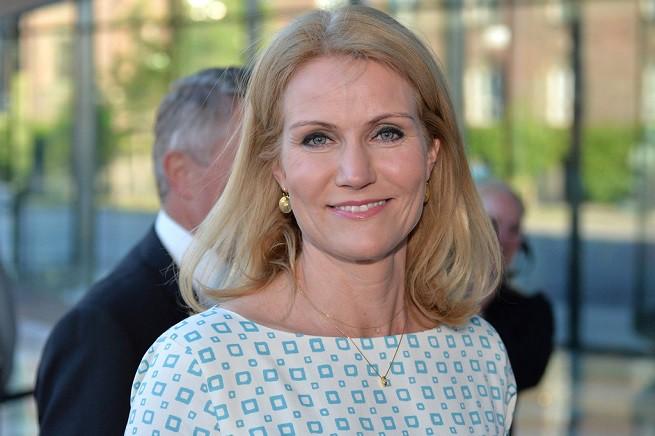 Non ride più la premier dimissionaria Helle Thorning-Schmidt, sconfitta alle elezioni parlamentari in Danimarca, Paese che vira a destra anche come reazione ai fenomeni legati alla mancata integrazione di immigrati e culture diverse da quella scandinava