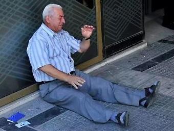 20150703-pensionati-grecia-340x257