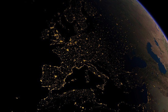 20150708-europe-from-space-655x436
