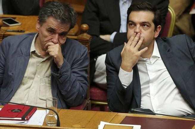 Il neo ministro delle Finanze, Euclid Tsakalotos, e il Primo Ministro greco Alexis Tsipras (foto Reuters via AGI)