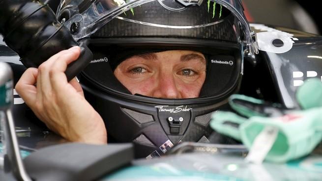 Nico Rosberg ha guidato le prime libere del GP di Singapore di F1 (foto Reuters/Agi)