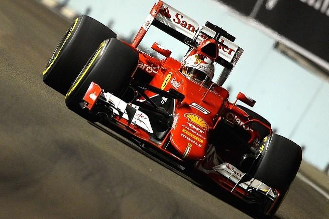 Sebastian Vettel in pole position a Singapore (© FOTO STUDIO COLOMBO PER FERRARI MEDIA © COPYRIGHT FREE)