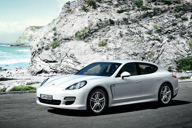Porsche Panamera: monta anche un 6 cilindri V di 3.0 litri diesel, che ora sarà sottoposto alle nuove verifiche tecniche, dopo lo scoppio dello scandalo DieselGate
