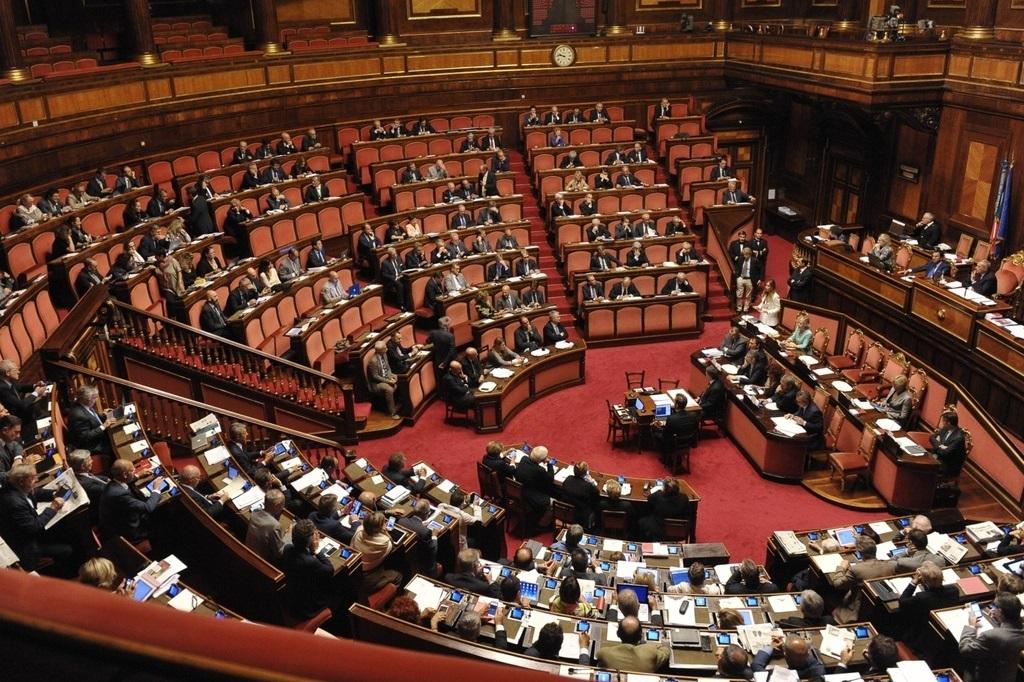 Riforme nasce il senato dei 100 vincolanti le scelte for Senato composizione