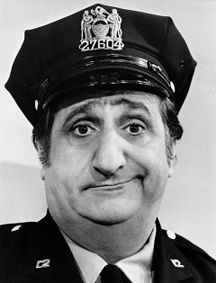20151031-Al_Molinaro_Murray_the_cop_Odd_Couple_1974-240x315