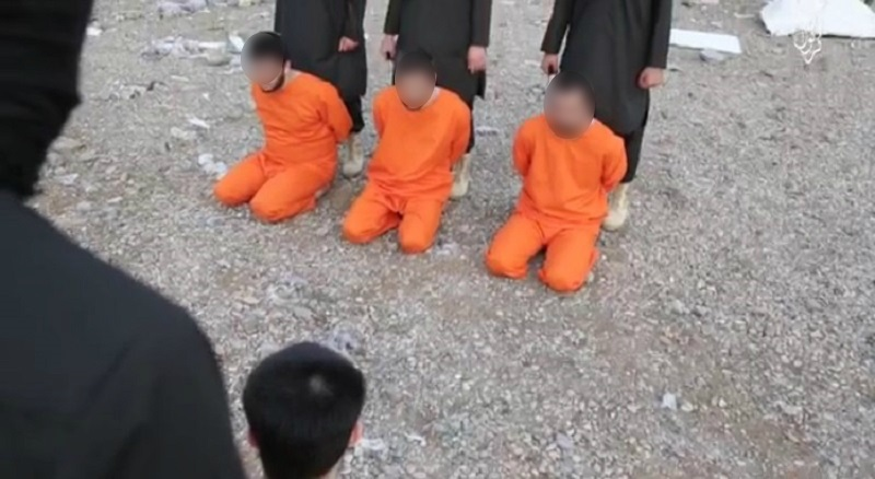 20151031-isis-video-men-beheaded-kurds-2-800x438