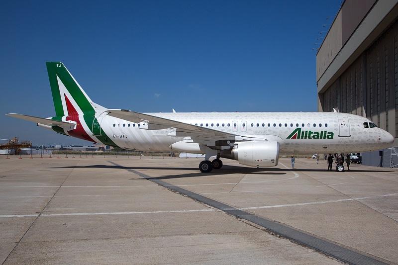 20151118-Alitalia_Airbus_A320-800x533