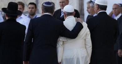 """Relazioni ebraico-cattoliche: in 50 anni dalla contrapposizione alla """"profonda amicizia"""""""