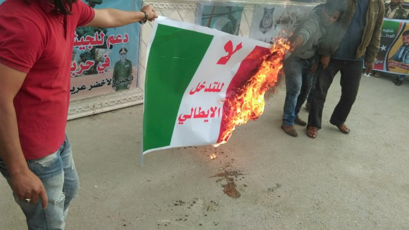 20160430-italian-flag-burned-in-libya