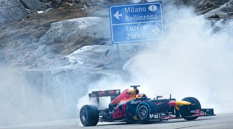 Una monoposto di F1 sul Passo del Gottardo!